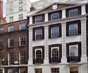 Villa & Partners Executive Search London